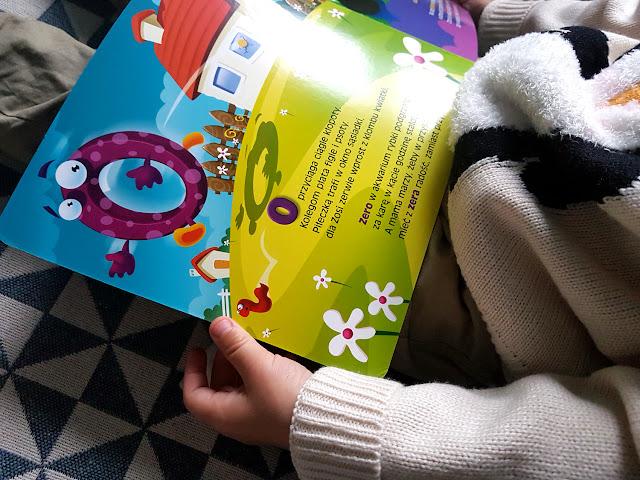 nauka przez zabawę - nauka literek i cyferek dla przedszkolaka  - Martel - Alfabeciaki - Cyferkowo - książeczki dla dzieci