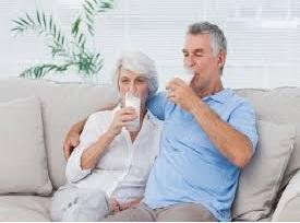 Berapa Banyak Yang Dibutuhkan Lansia dlm Mengkonsumsi  Susu