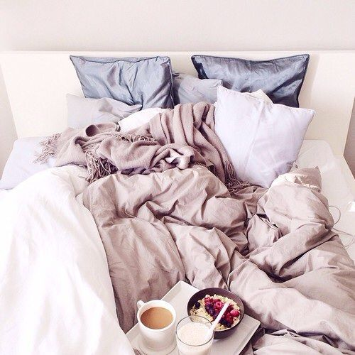 5 am club morning bed pastel sheets breakfast in bed