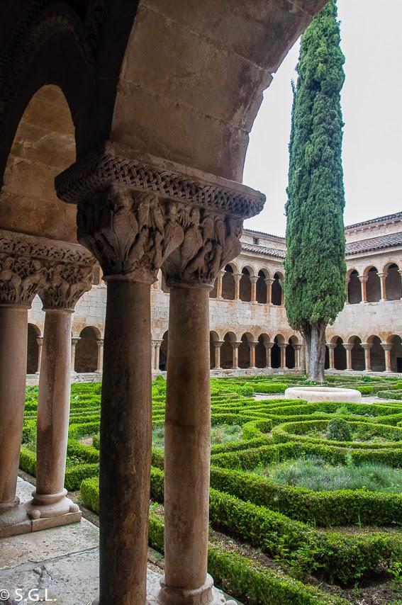 El cipres del claustro romanico de santo Domingo de Silos
