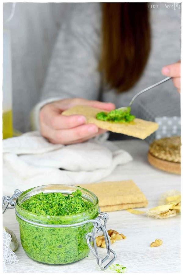 pesto de kale receta- receta de pesto de kale fácil de preparar- pesto de kale- pesto de kale vegano- kale pesto