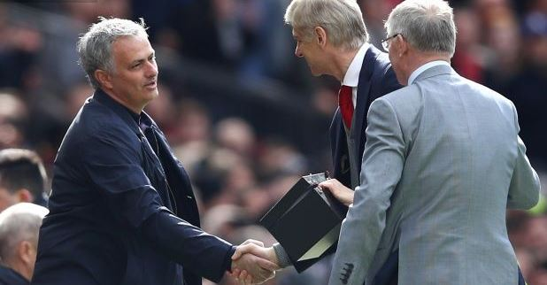 This is what Sir Alex Ferguson's gift to Arsène Wenger said