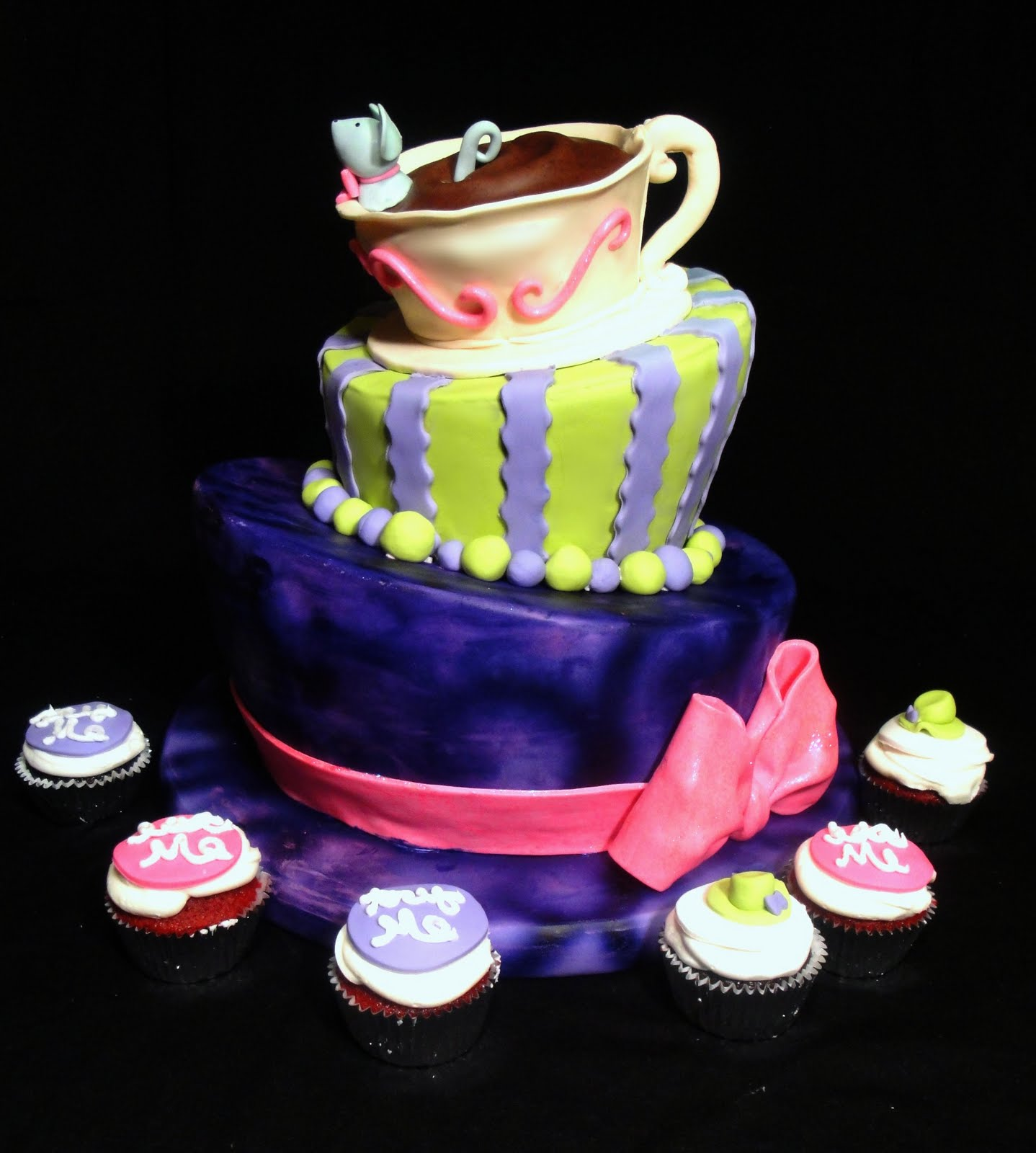 mad hatter cupcakes - photo #46