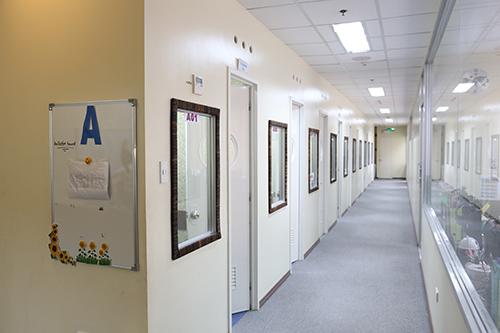 Máy lau sàn dùng bình điện dùng tại khu vực yêu cầu độ yên tỉnh cao