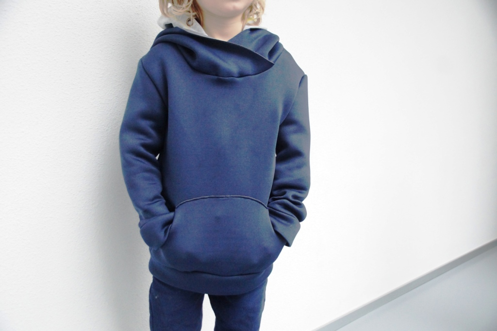 Louis hoodie, available at Näh Connection Shop
