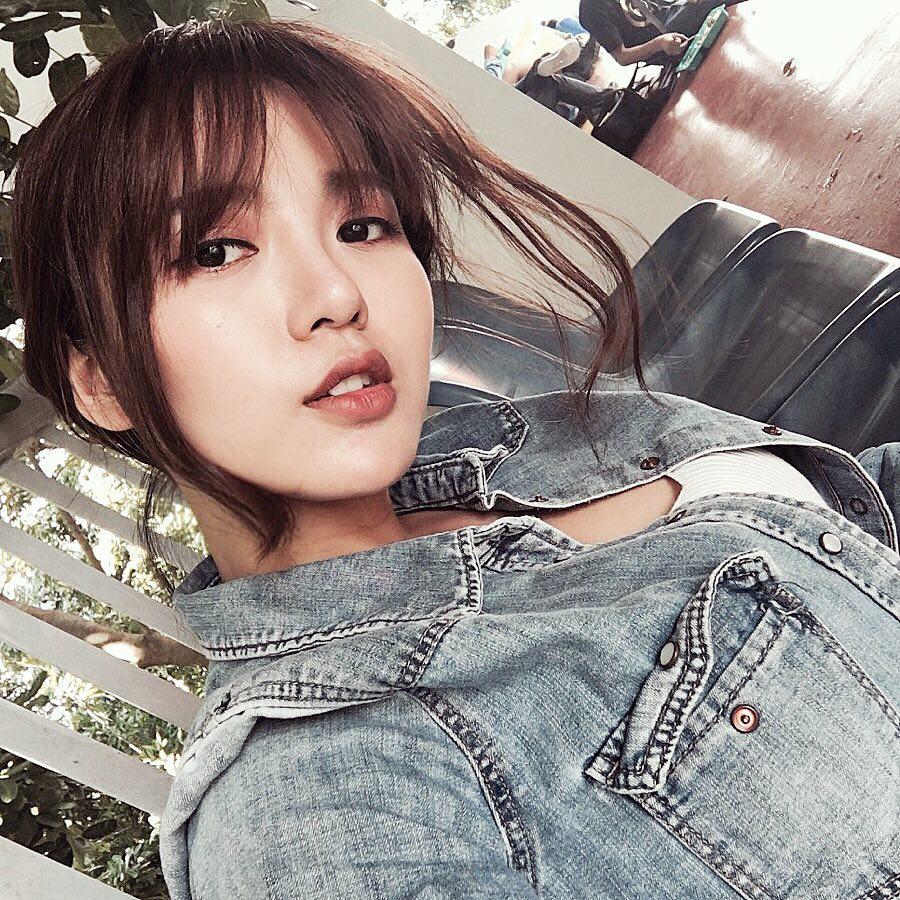 Hot girl Nguyễn Tú Linh