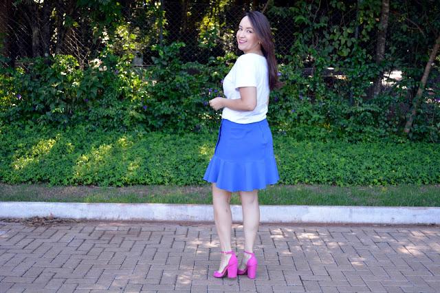t-shirt mariltn monroe, saia azul, t-shirts divertidas, t-shirts bordadas, villa lilla, blog camila andrade, fashion blogger em ribeirão preto, blogueira de moda em ribeirão preto, blog de moda em ribeirão preto, pink e azul