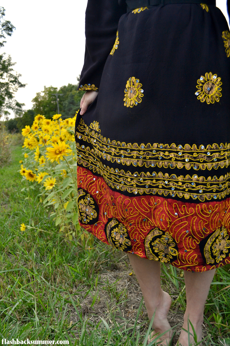 Flashback Summer - Sunflower abaya refashion 1940s intercultural vintage