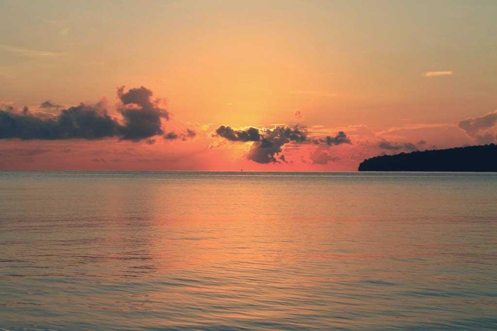 Sunrise Teluk Biru