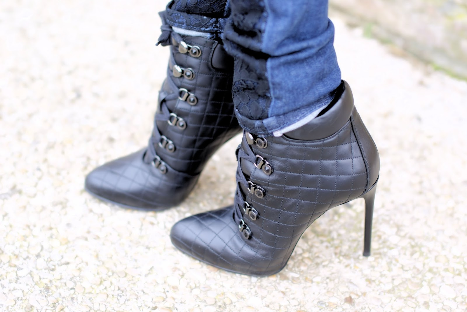 Le Silla quilted boots on Fashion and Cookies fashion blog, fashion blogger style