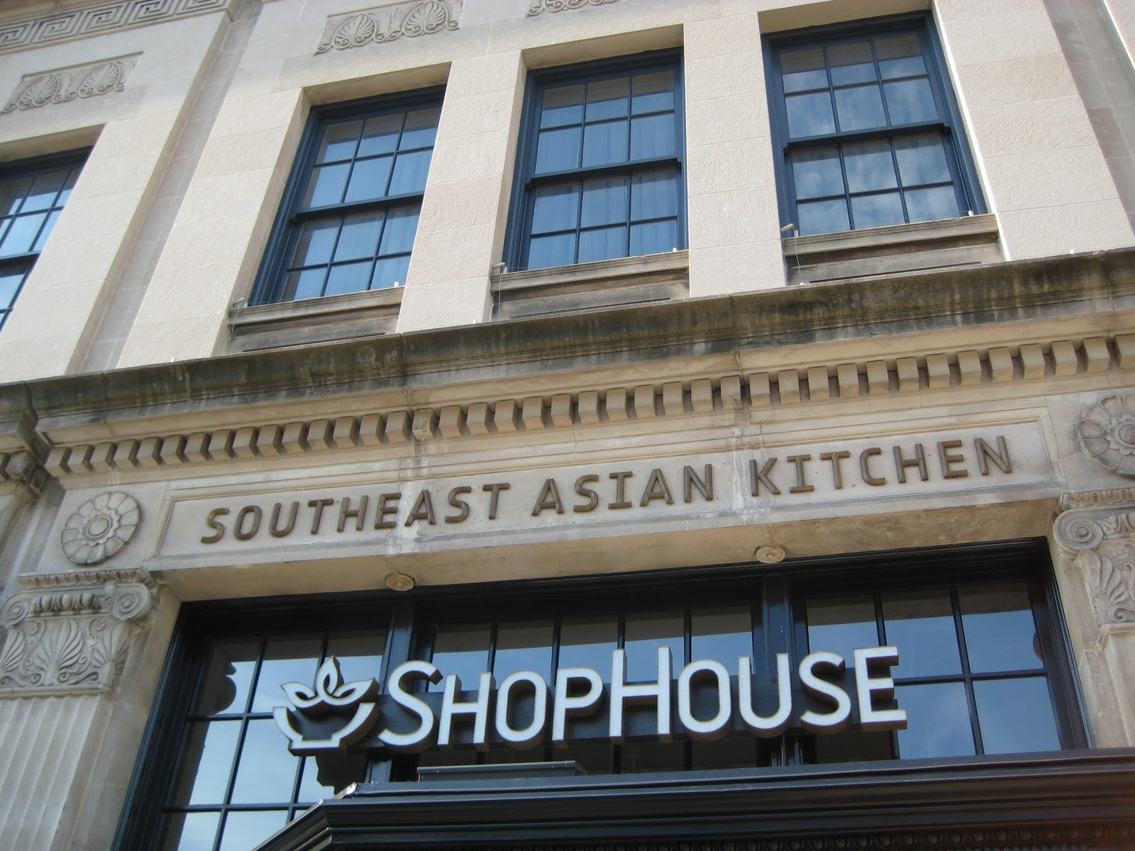 DISHES TO DIE FROM: Foodie Hell: Shophouse Southeast Asian
