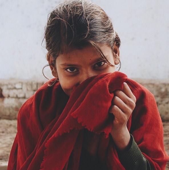 A shy girl at Brahma Temple, Pushkar