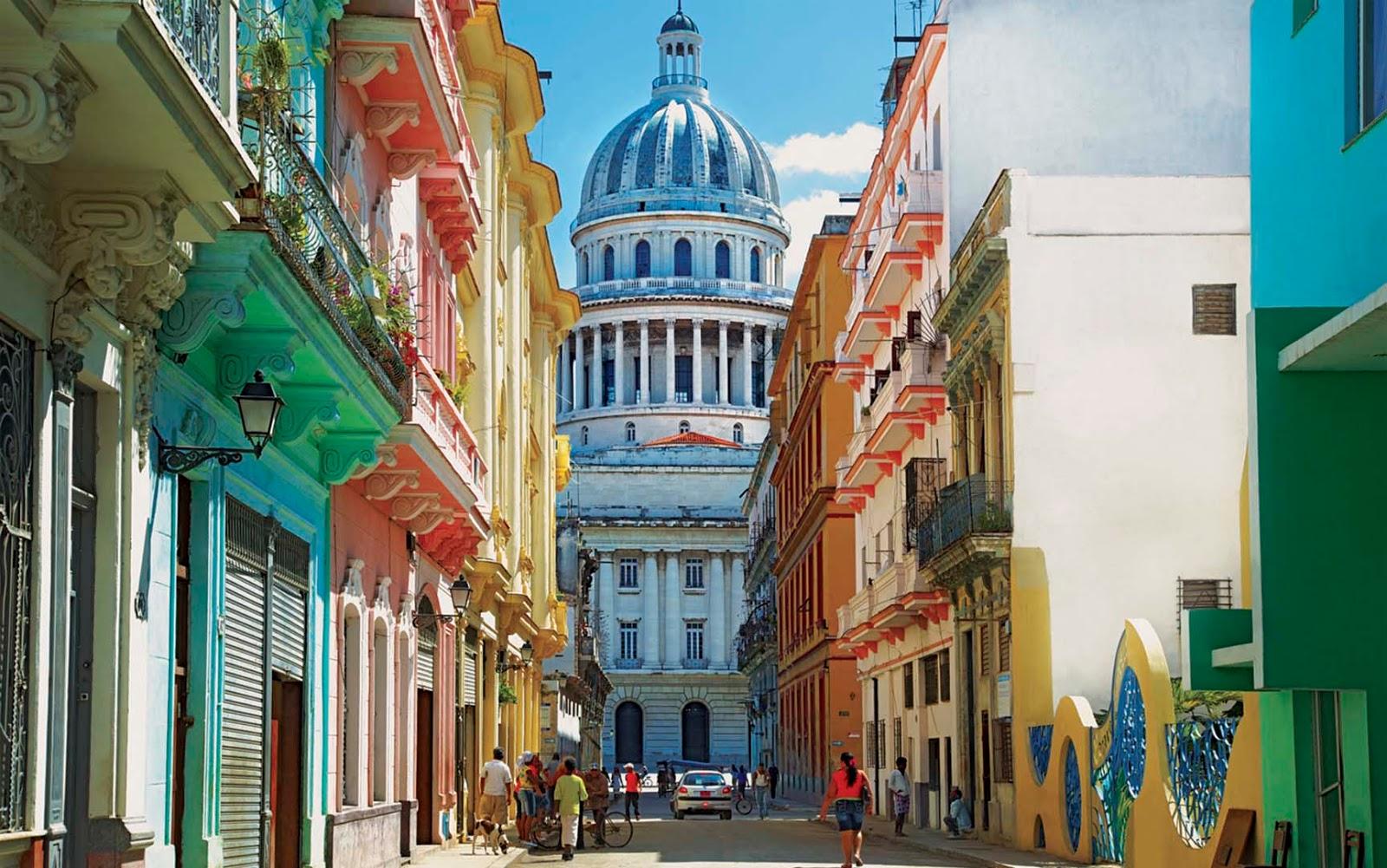 Dos malagueños acaban con las reservas de ron de La Habana