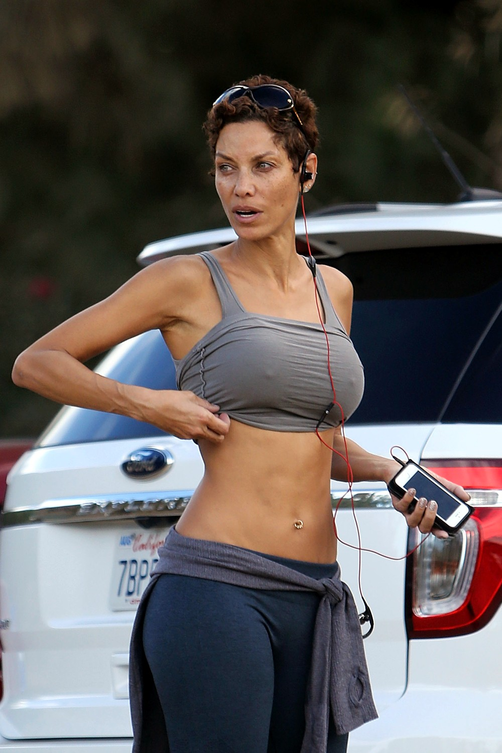 Milf in sports bra