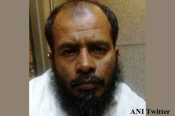 suspected-let-terrorist-salaam-khan-arrested-from-mumbai-airport
