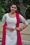 mannara chopra beautiful photos-thumbnail-19