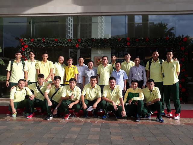 Ông Nguyễn Xuân Hàn mời điểm tâm đội tuyển nam TPHCM