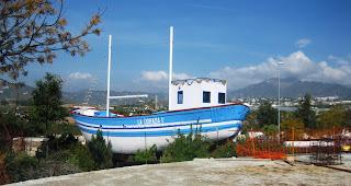Fotografía de una reproducción de La Dorada 1ª o Barco de Chanquete sita en Nerja (Málaga) - Fuente Wikipedia