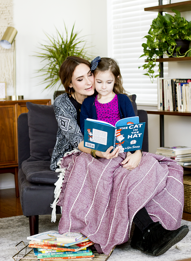 6 Benefits of Reading to Our Children