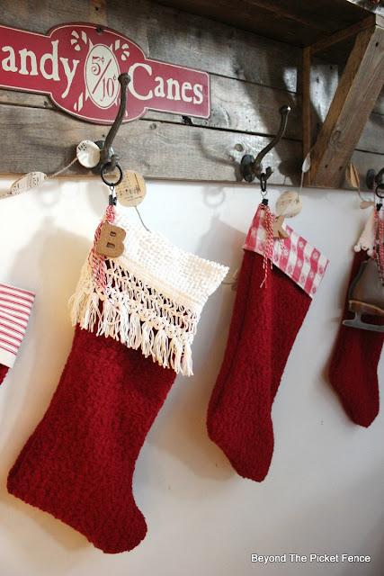 farmhouse decor, rustic Christmas, stockings, thrift store, https://goo.gl/xpejCP