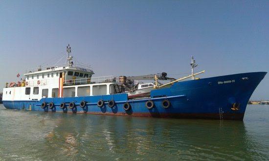 """Chiếc tàu hậu cần nghề cá """"khủng"""" nhất Việt Nam đóng theo Nghị định 67 giá trị gần 32 tỷ đồng, vừa từ Hoàng Sa trở về mang theo 50 tấn hải sản trong chuyến biển đầu tiên."""