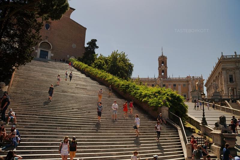 Treppe zum Kapitol in Rom, Italien - Städtetrip nach Rom Juni 2017