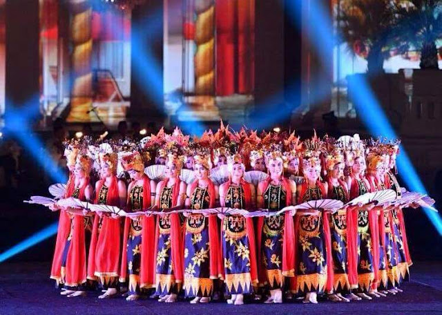 Tari Gandrung tampil di Istana Merdeka.