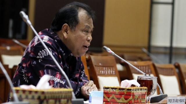 Arief Hidayat Harus Mundur, Pengawasan Hakim Konstitusi Harus Diperkuat