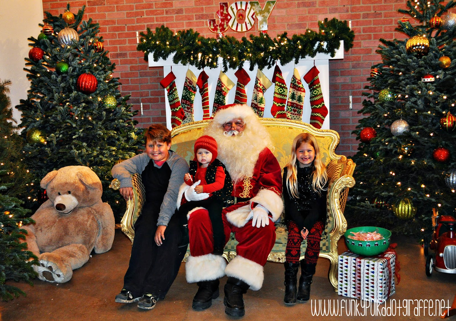 orange county you can take pictures with santa using your own camera or you can purchase a 5x7 photo taken by the irvine park railroad - Irvine Christmas Train