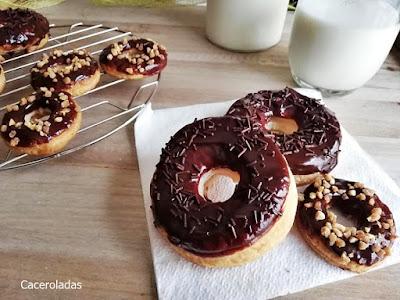 Donuts de hojaldre con chocolate