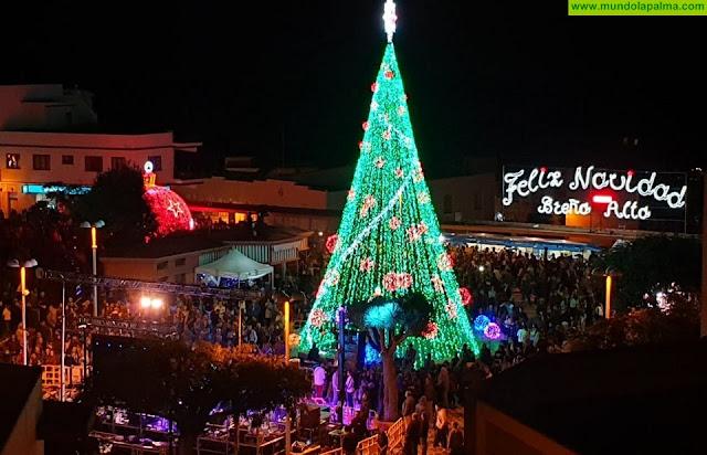 Villancicos y chocolate recorren durante toda esta semana los diferentes barrios de Breña Alta, despertando la Navidad más entrañable