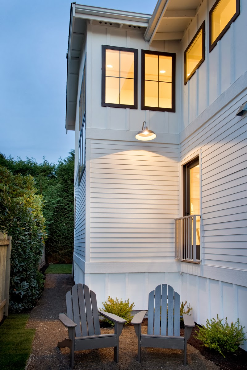 Modern Cottage: House Tour on Contemporary Siding  id=61309