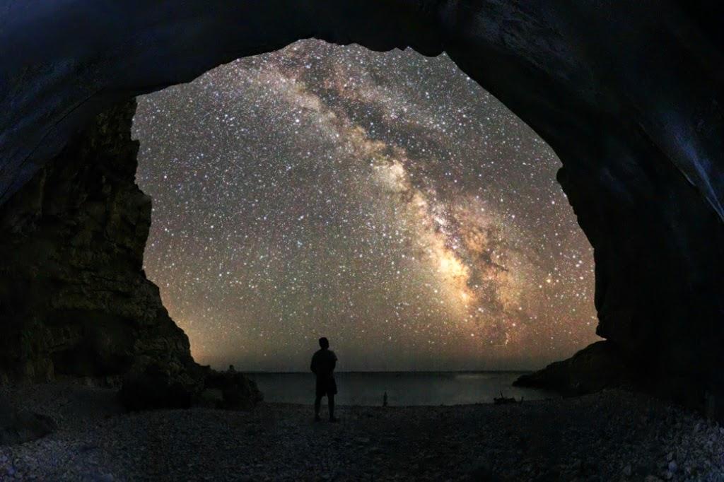 Poemas relacionados con el mundo de la astronomía, Francisco Acuyo
