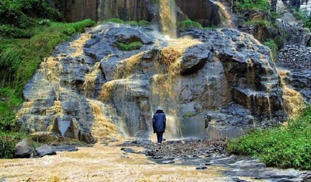 6. Curug Batu Templek - Bandung