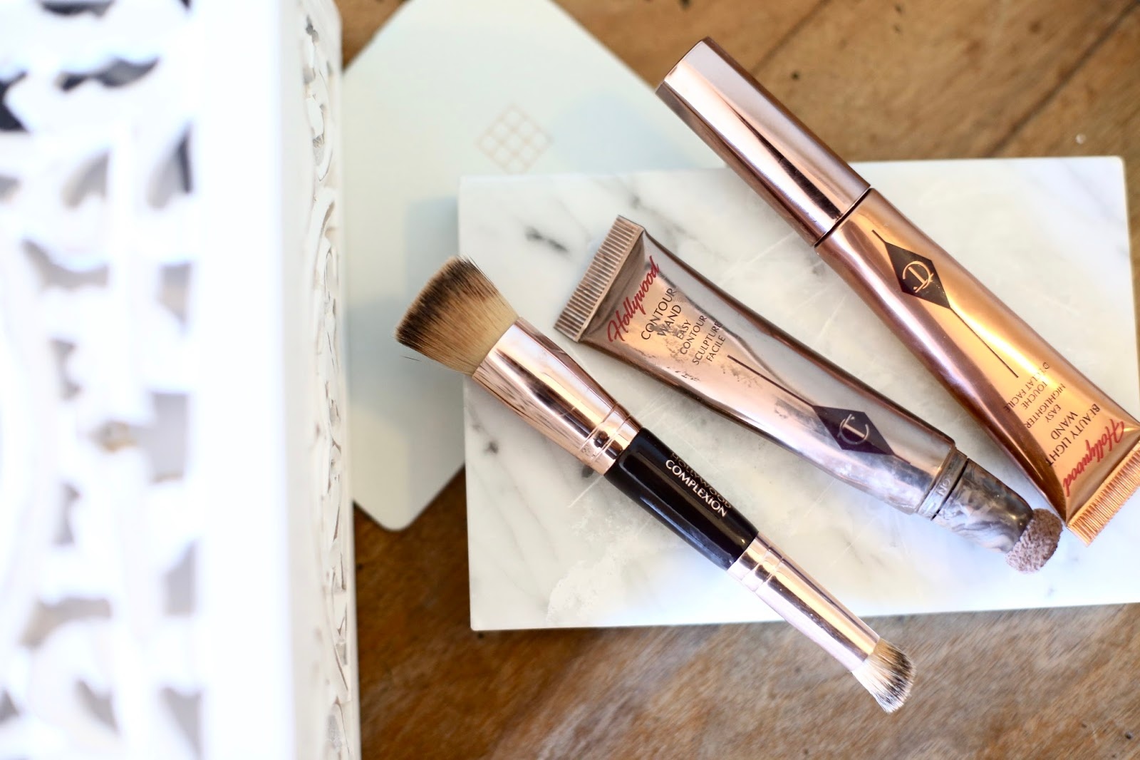 Charlotte Tilbury Hollywood Contour Wand And Highlighter Stick