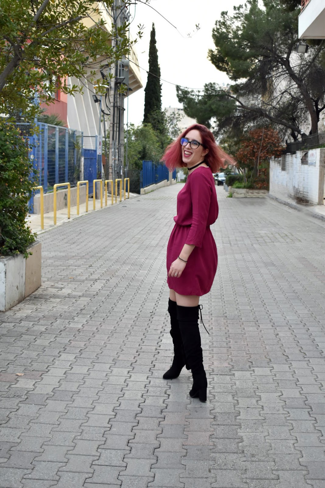 spotlights on badwolf, anna keni, anna, fashion, makeup, redhead,glasses, girl with glasses, Bad Wolf,fashion blogger,greek girl, greek fashion blogger, dress, magenta, h&m, spring,collection, trends, black, over the knee boots, otk, otkb,