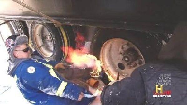 Ice Road Truckers - Season 5 Episode 04: Fire on Ice
