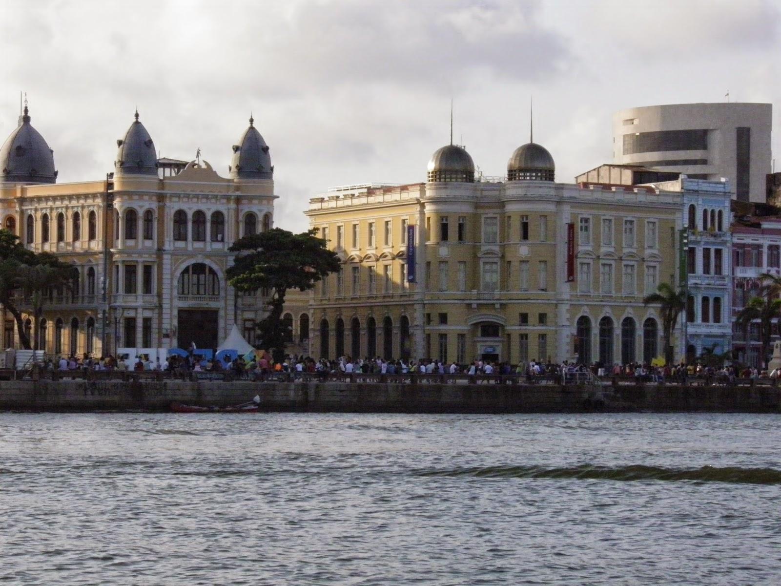 RECIFE; TURISMO; PASSEIO DE BARCO; PASSEIO DE CATAMARÃ; RIO CAPIBARIBE; MARCO ZERO