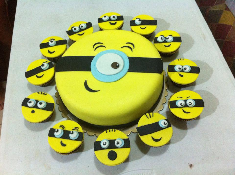 Minions Fondant Cake w/ Cupcakes ~ Cakes By Edilyn