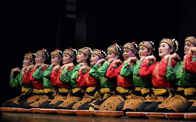 Ekspresi Budaya Tradisional dalam Sistem Hukum Internasional