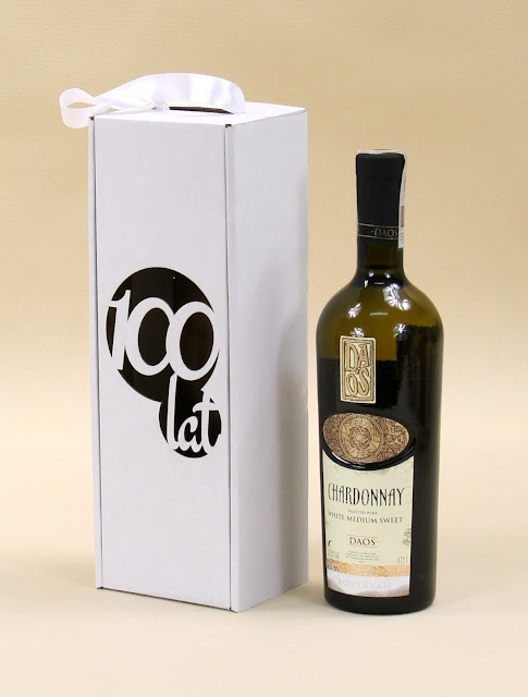 Opakowanie do wina z grawerem