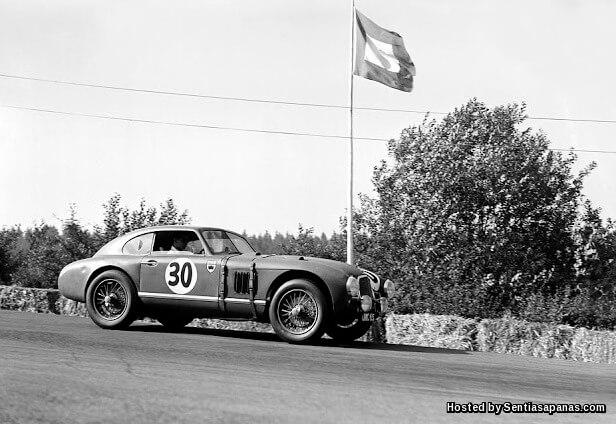 Aston Martin [4].jpg