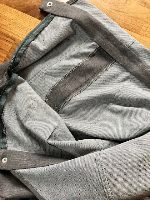 Diary of a Chain Stitcher: McCalls 7547 Dungarees in Grey Stretch Denim from Higgs & Higgs