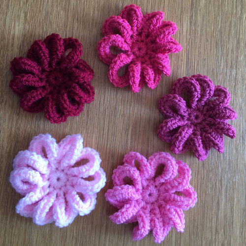 Loopy Flower for February - Free Pattern