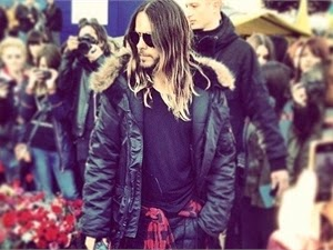 Jared Leto in Kiev demanded soup and photographed on the barricades