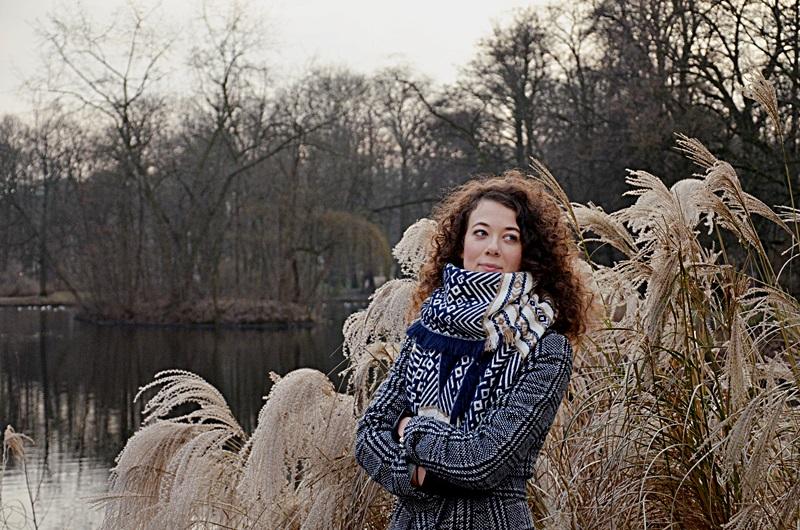 święta, wspomnienia, warszawa, łazienki, zakreecona, bloger, blogerka zakreecona.pl, dzieciństwo, szary płaszcz, orsay, kręcone włosy