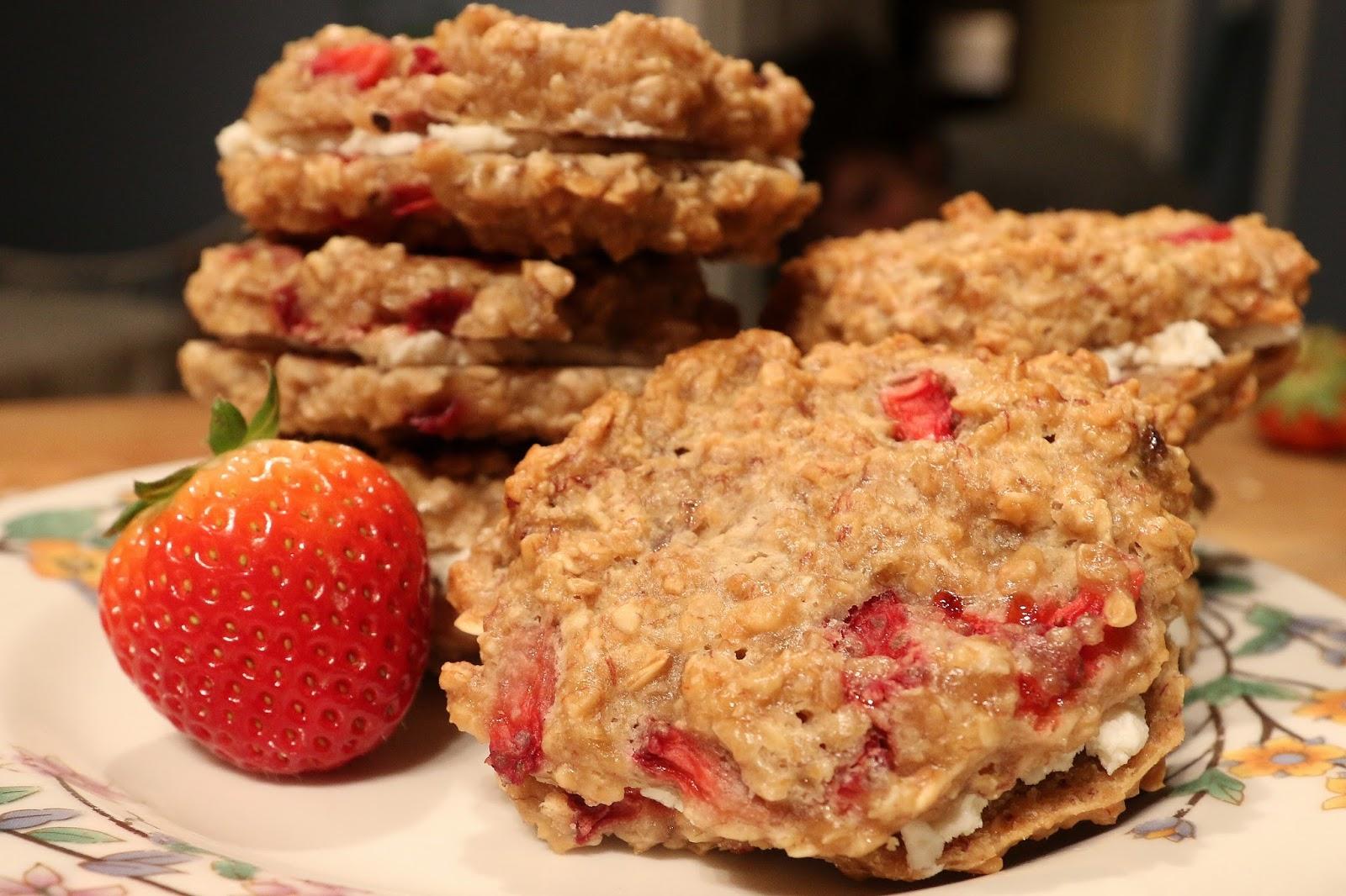 Accidental Cream Pie Beautiful blackberry morning: strawberry oatmeal cream pies (low sugar)