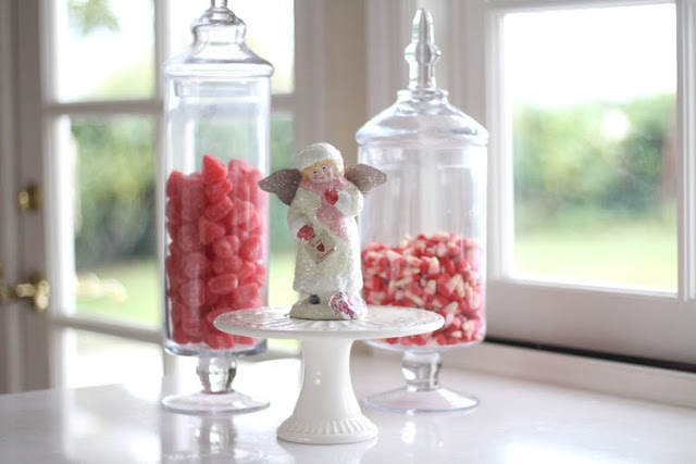 valentines-day-decor-candy-jars