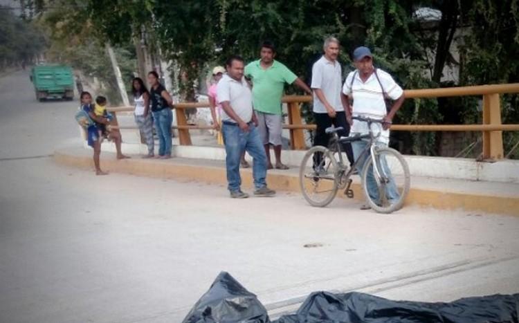 ¡Horror! Arrojan en la vía pública el cuerpo desmembrado de un niño de 14 años con narcomensaje