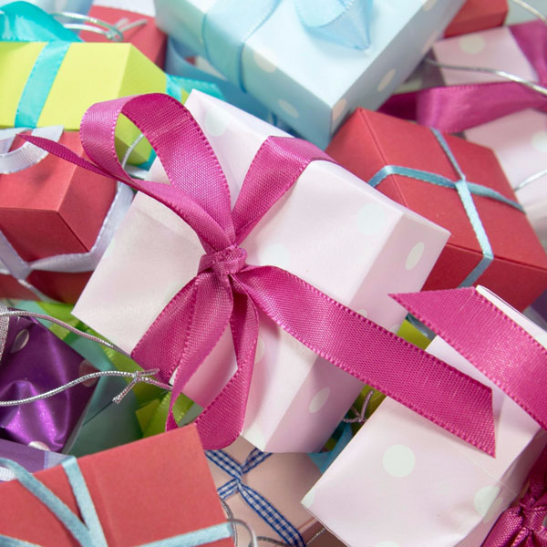 2775668864e This also makes this the perfect time to think about how to organize gift  wrap supplies! Today I've rounded up some of my favorite tips and tricks  for how ...